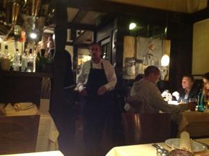 写真レストラン_300.jpg